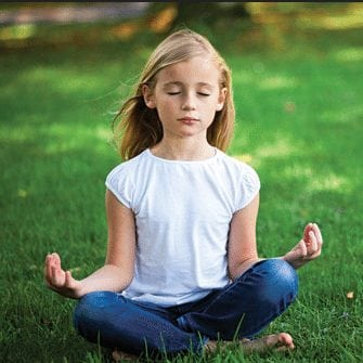 Meditation i skolen giver mindre stress