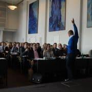 Foredrag om mindfulness for med Henning Daverne